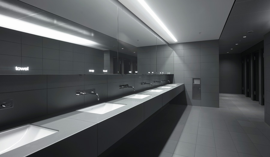 luxury-hotel-washroom black white